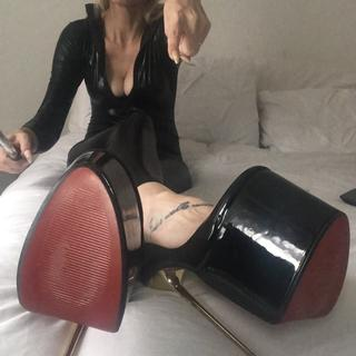 Domination,Humiliatrix,Financial Domination,Toys,Submissives,rebellious,foot fetish,heels,dress up,balloon fetish love to have slaves do as i say and cuckolds your welcome Seductress
