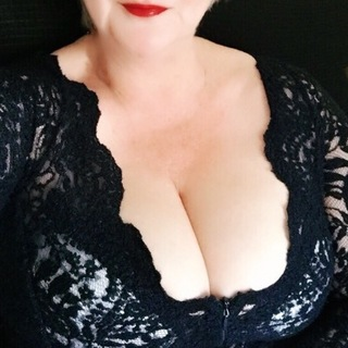 I'm an expert in sensual stripping, excellent virtual blow jobs , talking dirty , soft gentle pussy play and much much more .
